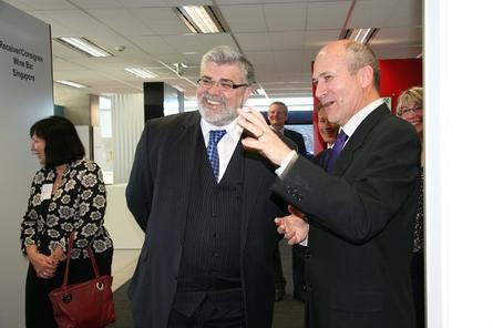 Federal Minister for Innovation, Industry, Science and Research Kim Carr with NICTA future logistics living lab leader Neil Temperley.