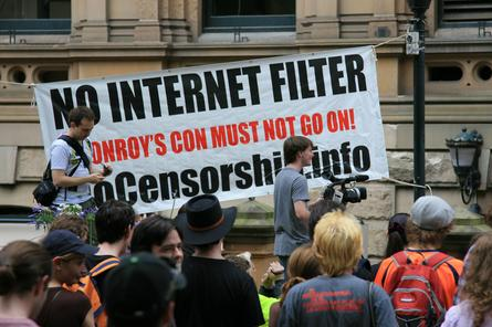 The EFA is claiming 100 people an hour are signing up to its online petition against the government's ISP-level internet content filter