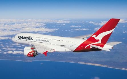 Qantas business lounge members get free Wi-Fi service