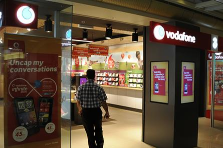 Vodafone loses 443,000 customers