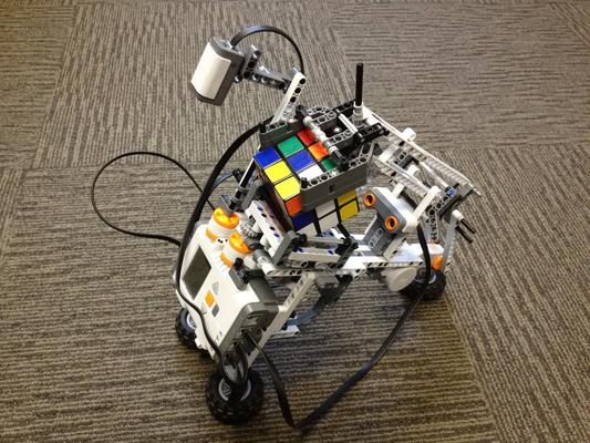 Monash Uni uses Lego robots for students