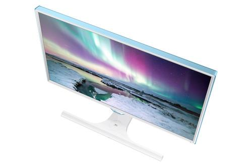 Samsung Electronics said July 27, 2015, its new SE370 monitor can wirelessly charge smartphones using the Qi interface standard.