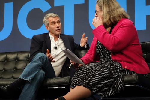 Bill Veghte, executive vice president and general manager of HP's Enterprise Group, talked with Gigaom's Barb Darrow at the Gigaom Structure conference on Wednesday in San Francisco.